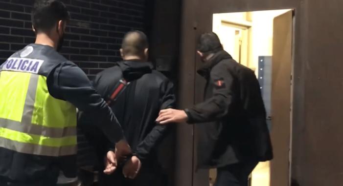 Spaanse politie pakt 'leider Zweeds crimineel netwerk' (VIDEO)