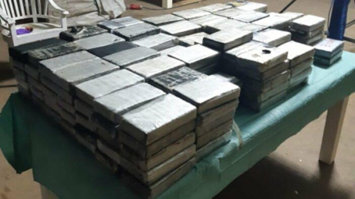 Tot 8 jaar cel voor vondst 235 kilo cocaïne in Vinkeveen