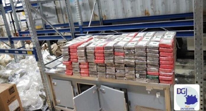 Drie Nederlanders opgepakt voor 1,7 ton coke in haven Antwerpen