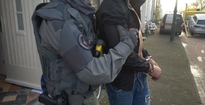 Elf verdachten vast voor miljoenenroof aan iPhones op Schiphol - Crimesite