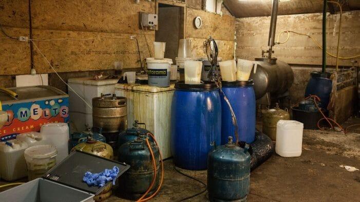 Twee verdachten aangehouden in crystal meth-lab