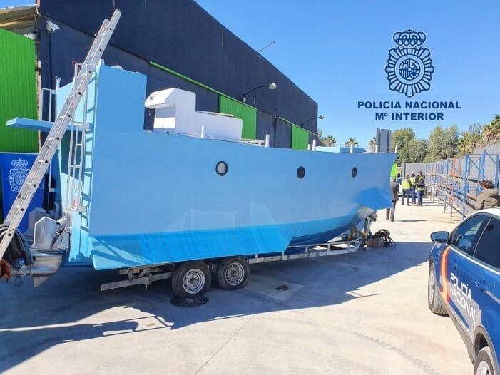 Spaanse politie vindt drugsonderzeeboot