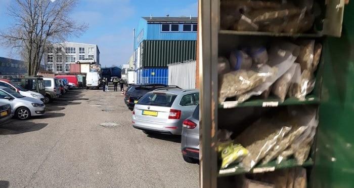 Zeven arrestaties, 50 kilo softdrugs en vuurwapen bij controles Amsterdam