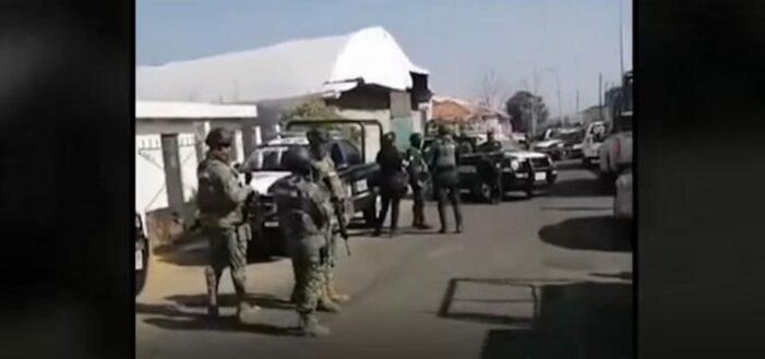 Dertien doden bij hinderlaag op Mexicaans politiekonvooi (VIDEO)