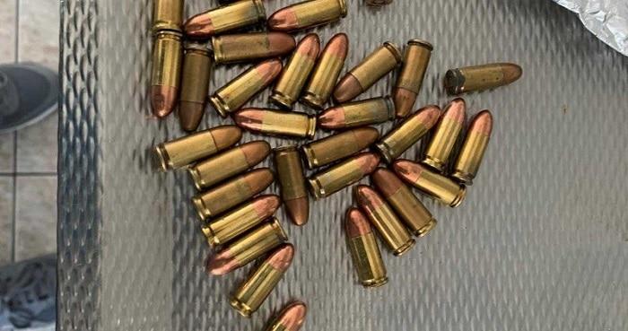 Grote wietkwekerij en munitie in bedrijfsloods Roosendaal