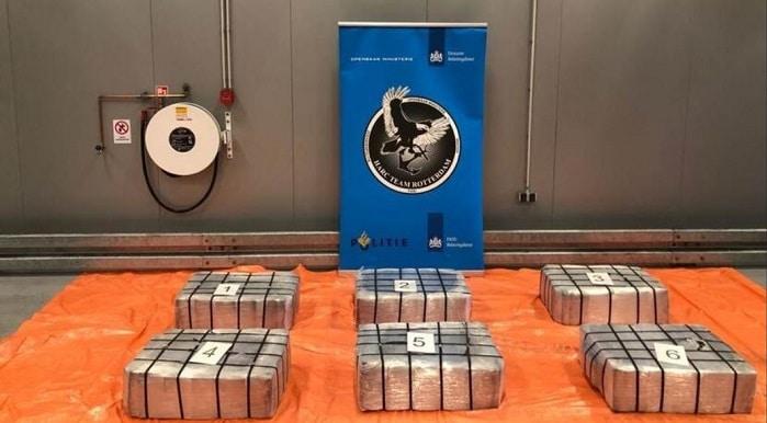 400 kilo coke tussen erts uit Peru in Rotterdamse haven aangetroffen