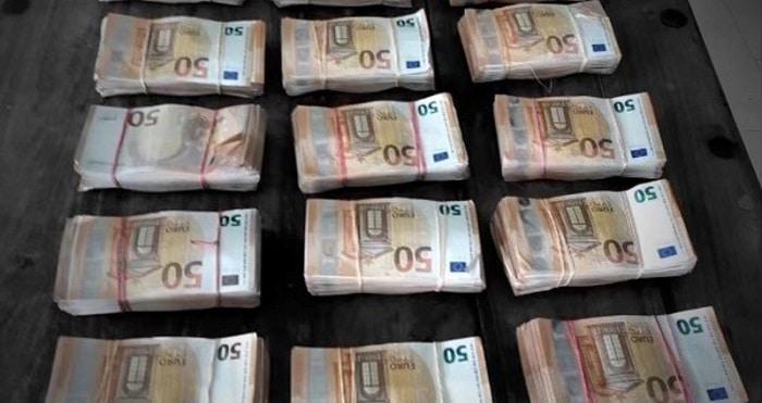 150.000 euro, coke en vuurwapens in onderzoek spookbewoning Barendrecht