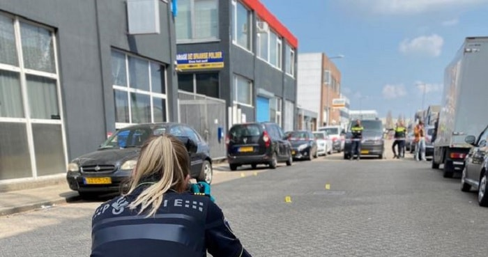 Politie zoekt getuigen beschieting Rotterdams bedrijfspand