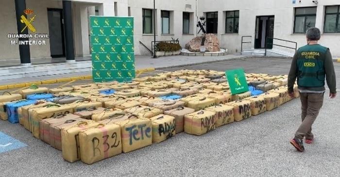 Voortvluchtig Camorra-lid opgepakt in Andalusië, 5 ton hasj onderschept