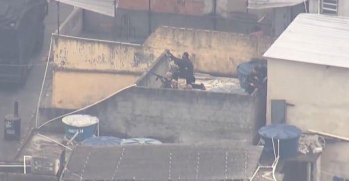 25 doden bij grote politieactie tegen drugskartel in Braziliaanse favela (VIDEO)