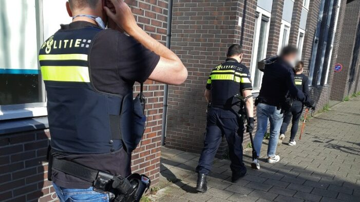 Politie: Roemenen buitten vrouwen uit in prostitutie