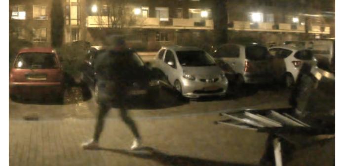 Mannen gezocht voor beschieten woning in Den Helder (VIDEO)