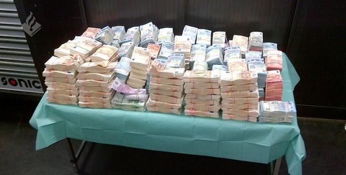 Man en vrouw gearresteerd voor ontfutselen 1 miljoen euro donateur
