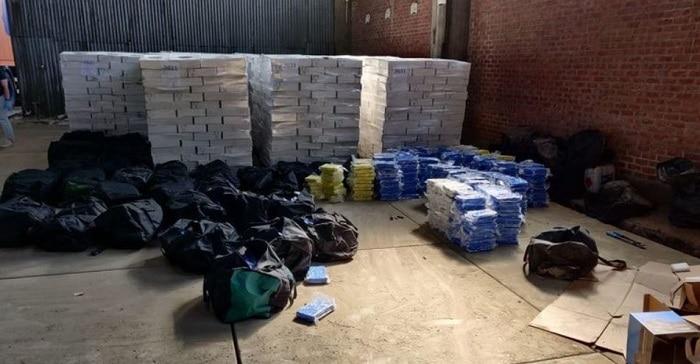 Tot 8 jaar cel voor 13 Nederlanders die 4,2 ton coke uithaalden in Antwerpen