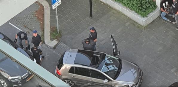 Schade aan auto's en vluchtpoging bij arrestatie Bigidagoe