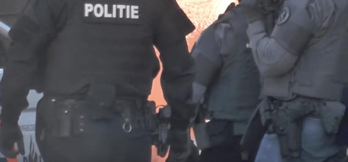 Zwaarbewapende eenheid naar binnen bij 'opslagplaats voor hard drugs'