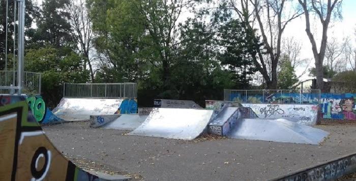 Tieners zwaargewond bij steekpartij skatebaan Zoetermeer