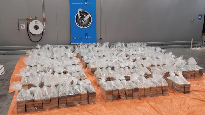 1.760 kilo cocaïne tussen zoete aardappelen in Rotterdamse haven