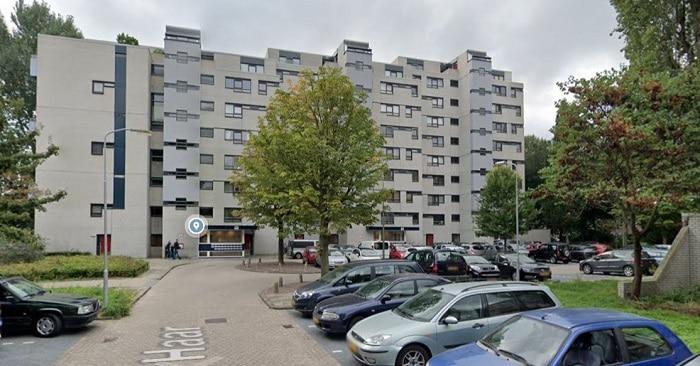 Rotterdammer (29) doodgestoken in flatwoning Leidschendam