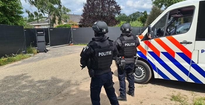Grootste crystal methlab ooit in Nederland opgerold in Nederweert (UPDATE) (VIDEO)