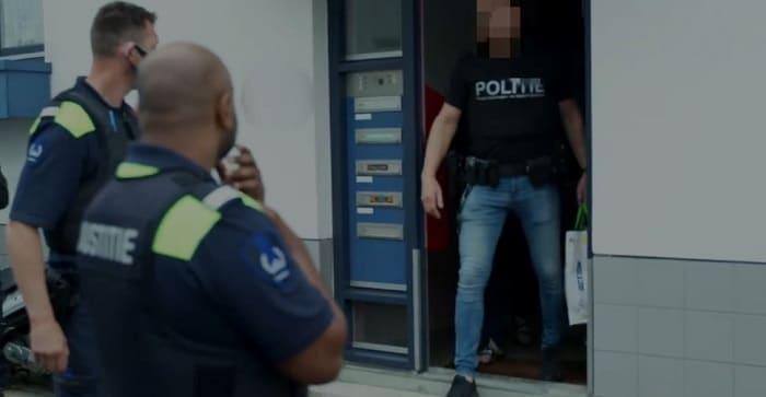 Schiphol-personeel aangehouden voor drugssmokkel (VIDEO)