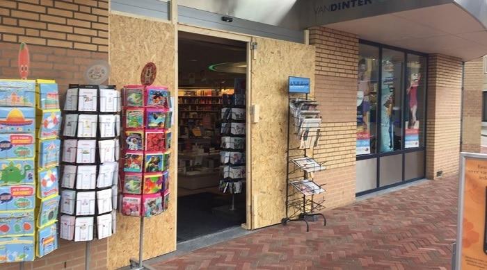 Ramkraak op boekwinkel in Boxmeer