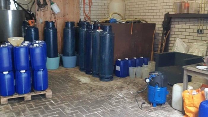 Tien verdachten aangehouden voor productie synthetische drugs