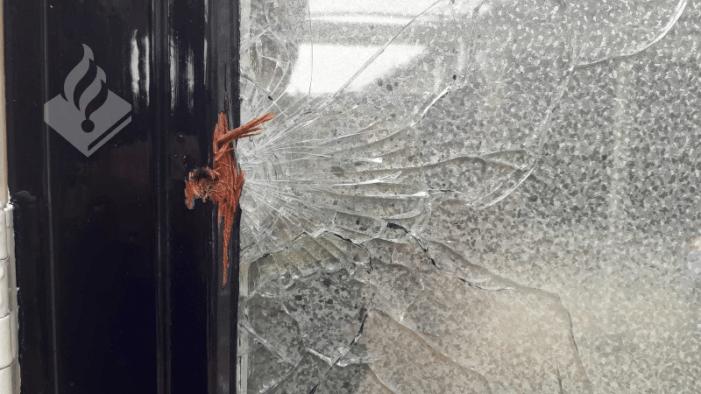 Huizen in Vianen en Amsterdam beschoten