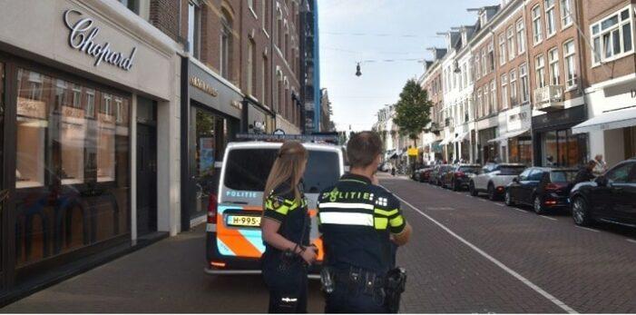 Arrestatie en luxe goederen afgepakt bij controle in P.C. Hooftstraat