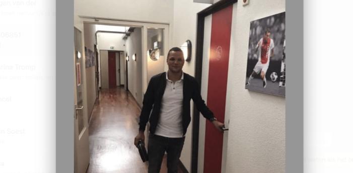 Voetbalscout klaagt Alberto Stegeman aan om laster (VIDEO)