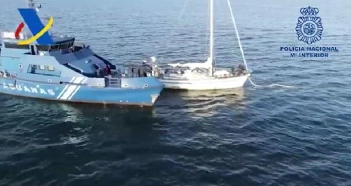 Zeilboot met 2,5 ton cocaïne op weg naar Spanje onderschept (VIDEO)